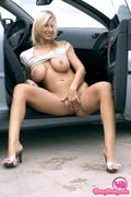 youngbusty.com pictures hosted on imagevenue.com