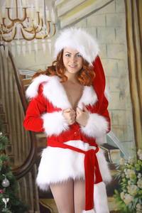 http://img231.imagevenue.com/loc377/th_531786823_silver_angels_Sandrinya_I_Christmas_1_125_123_377lo.jpg
