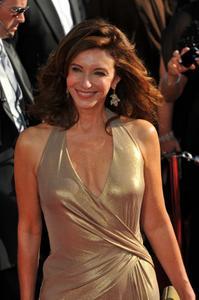 "MARY STEENBURGEN - ""Emmy Awards - Red Carpet"" - 2008"