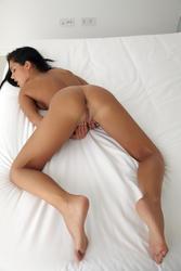http://img231.imagevenue.com/loc547/th_513437982_0069_123_547lo.jpg
