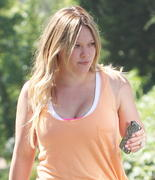 http://img231.imagevenue.com/loc553/th_246075147_Hilary_Duff_Out_in_West_Hollywood5_122_553lo.jpg