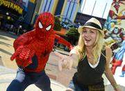 http://img231.imagevenue.com/loc583/th_295692983_Kaley_Cuoco_at_Universal_Orlando2_122_583lo.jpg